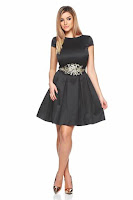 Rochie StarShinerS neagra de ocazie din material satinat