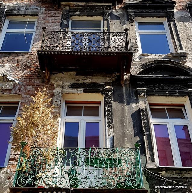 balkon okno Warszawa Warsaw architektura kamienica opuszczone ulica praskie klimaty