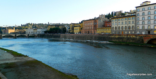 O Rio Arno em Florença (Firenze)