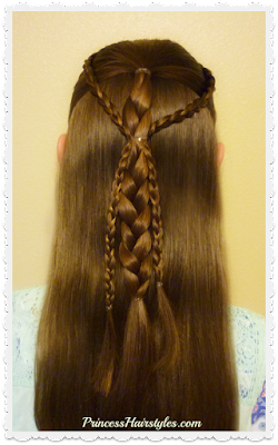 Cute half up hairstyle tutorial using braids. #hairtutorial #braids #easyhairstyle