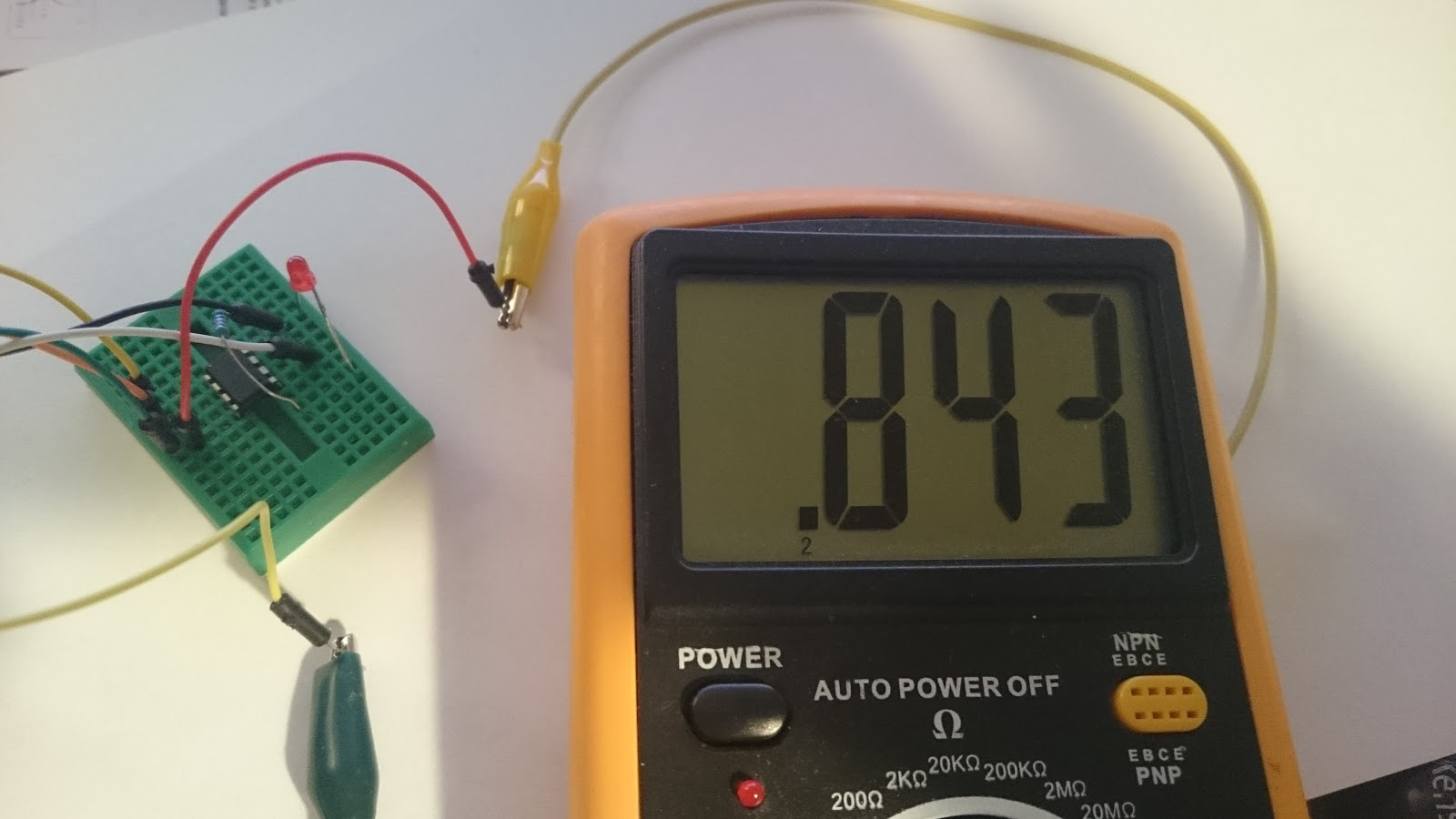 Lowpower Circuit Measures Multiple Temperatures In A Battery Stack