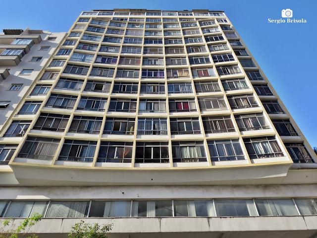 Perspectiva inferior da fachada do Edifício Isnard - Santa Cecília - São Paulo