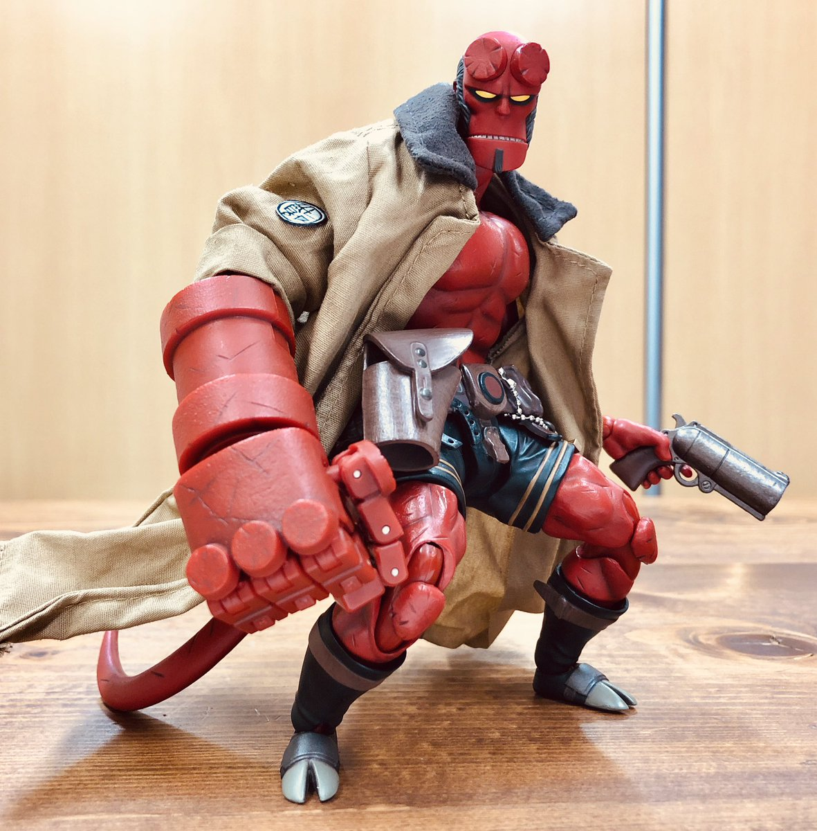 3291e29ca90a9a Hellboy 1/12 In-Hand Play Demo Videos from 1000Toys/SENTINEL