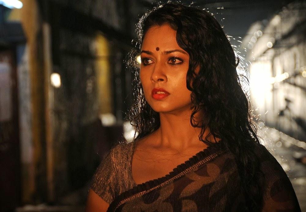 All Hotties Pooja Umashankar Hot In Saree-8018