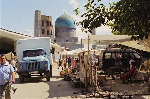 Ouzbékistan, Samarcande, Mosquée Bibi Khanym, Syiab, © Louis Gigout, 1999