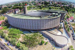 Wisata Edukasi Museum Tsunami Aceh