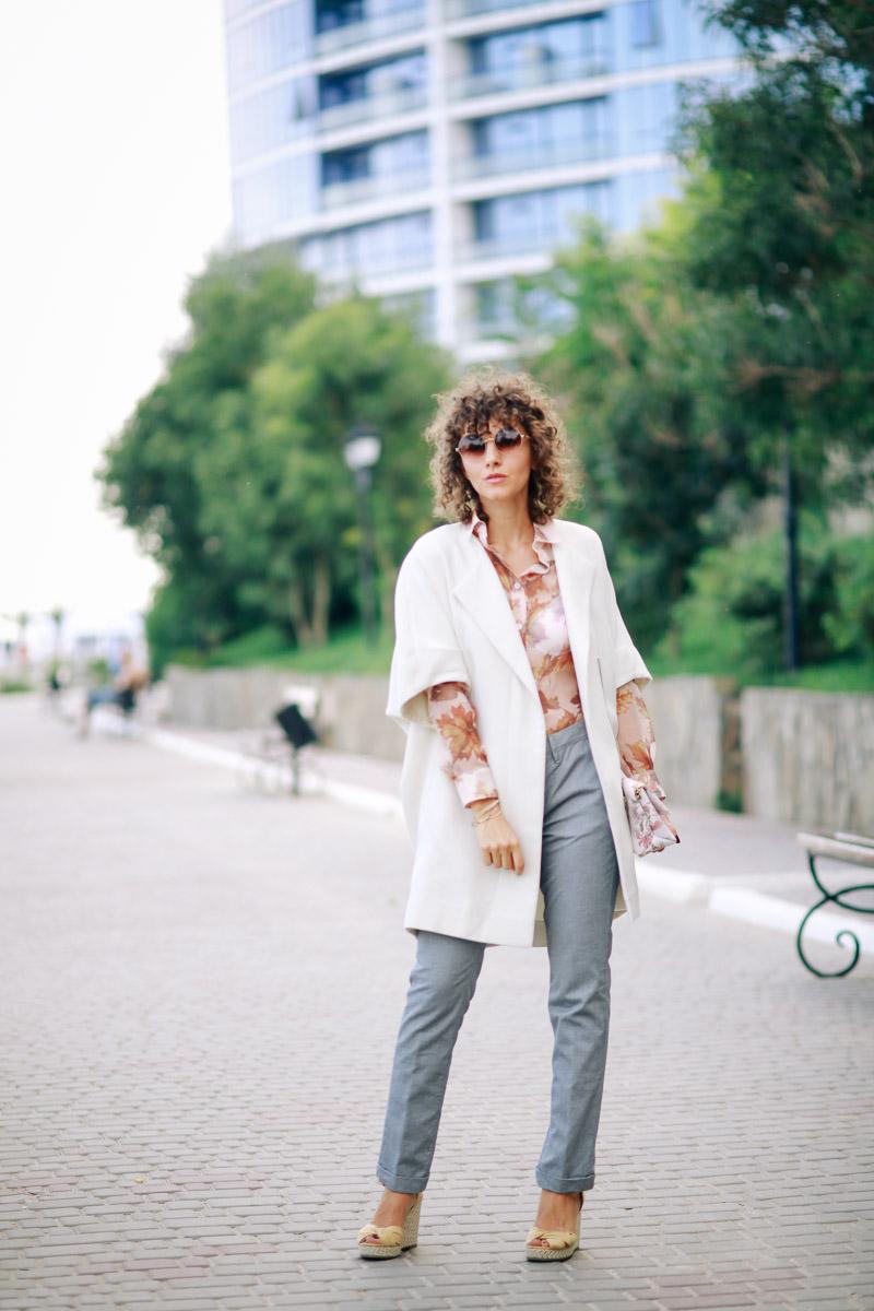 белое пальто для осеннего стиля