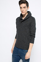 pulover-cu-guler-ridicat-pentru-barbati-2