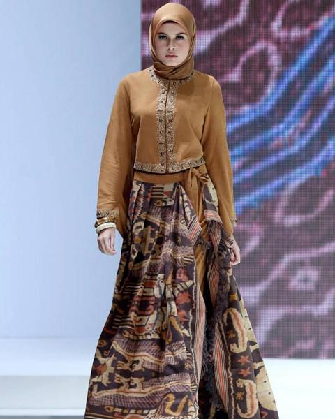 model baju batik resmi wanita terbaru