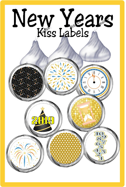 Celebrate at your New Years party with this fun, party printable New Years Kiss Labels. These labels will be updated every year so they are always current and always perfect for your sweets table or New Years dessert table. #newyearseve #newyearsevedessert #newyearsevekisses #printablekisslabels #diypartymomblog