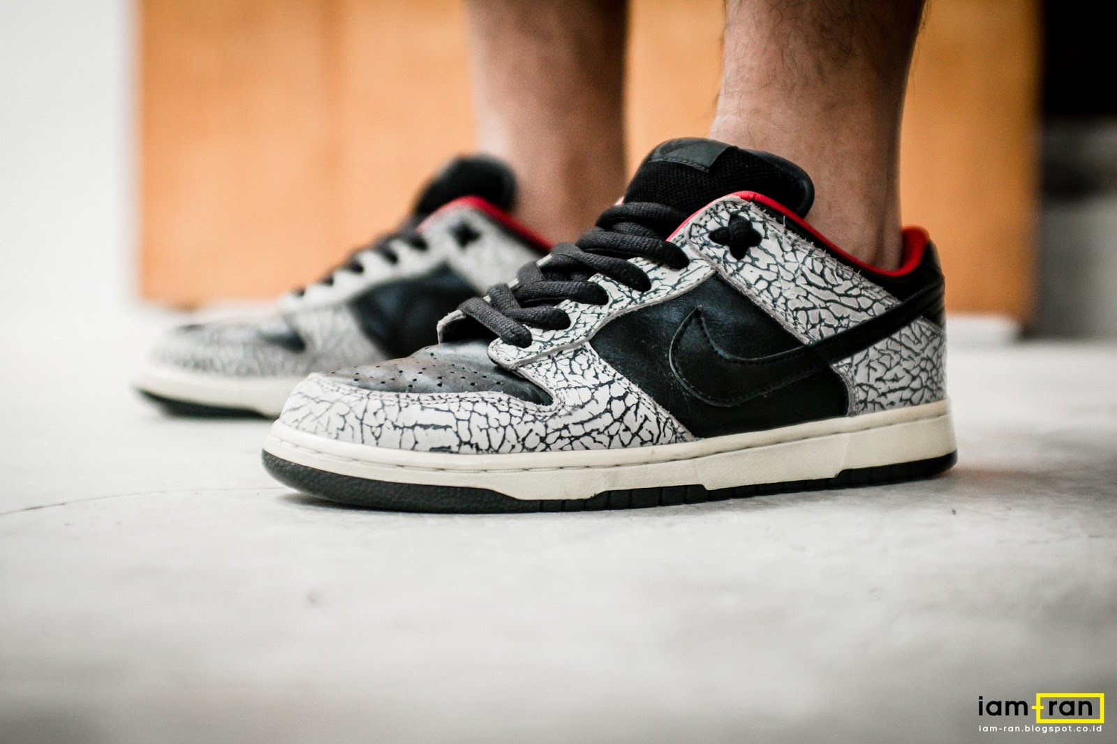 117a7ddff861 sweden nike sb dunk low pro valentines day on feet video at exclucity  youtube 9d610 bd8ea  uk on feet anggie raditya nike sb dunk low x supreme  83b3e a0331