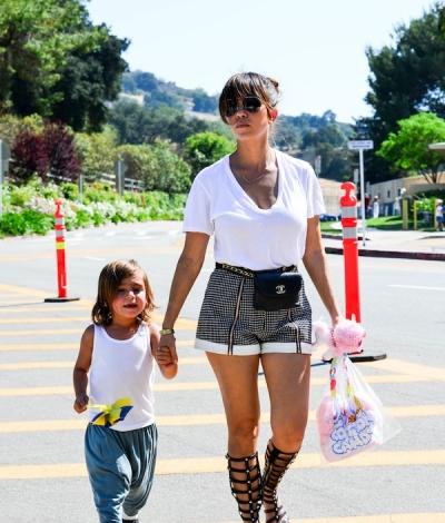32323fc6778a Daily celebrity style kourtney kardashian wearing black jpg 400x470 Gladiator  sandals kourtney kardashian wearing styles
