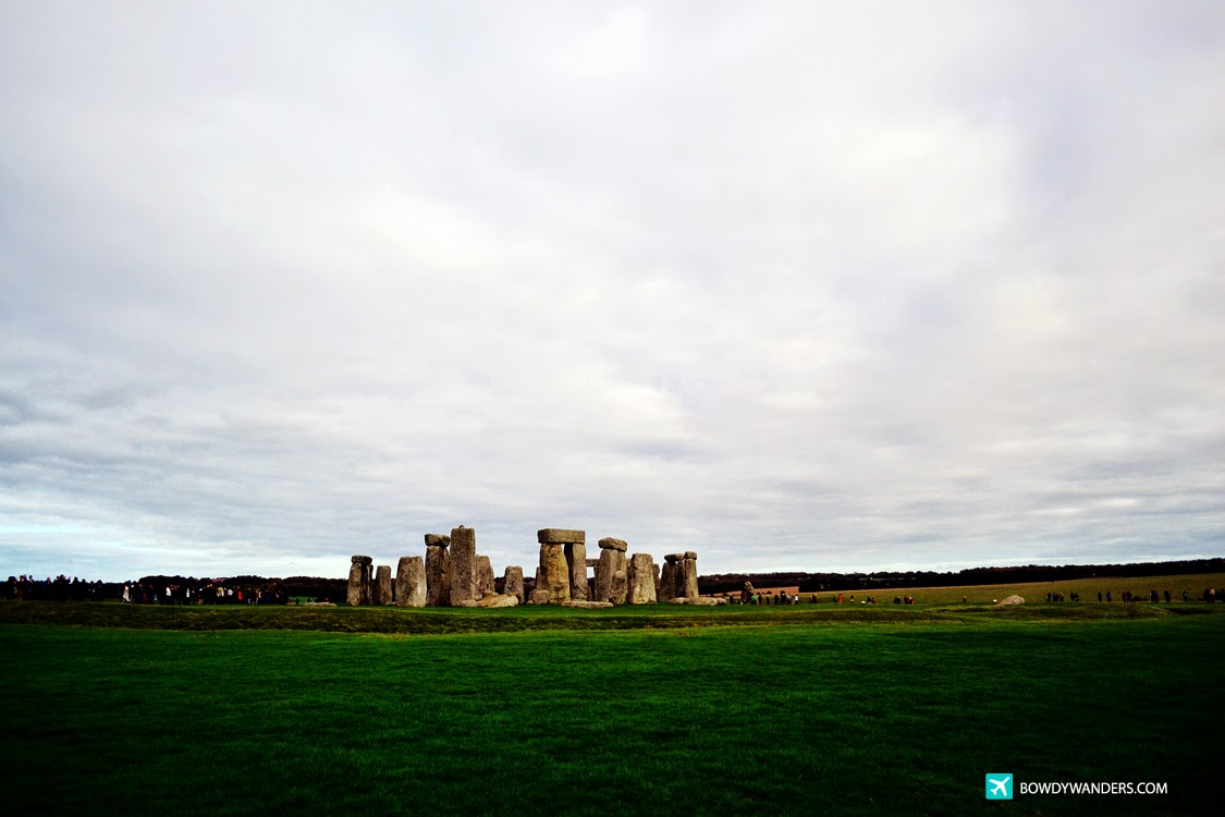 bowdywanders.com Singapore Travel Blog Philippines Photo :: England :: Stonehenge, England: Why It's An Obviously Great Idea To Take A Travel Tour Package Instead