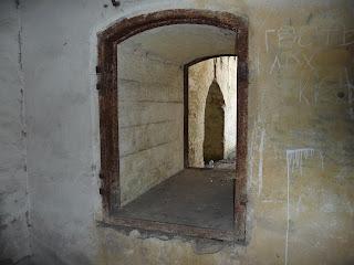Тараканівський (Дубенський) форт. Прохід в казармах