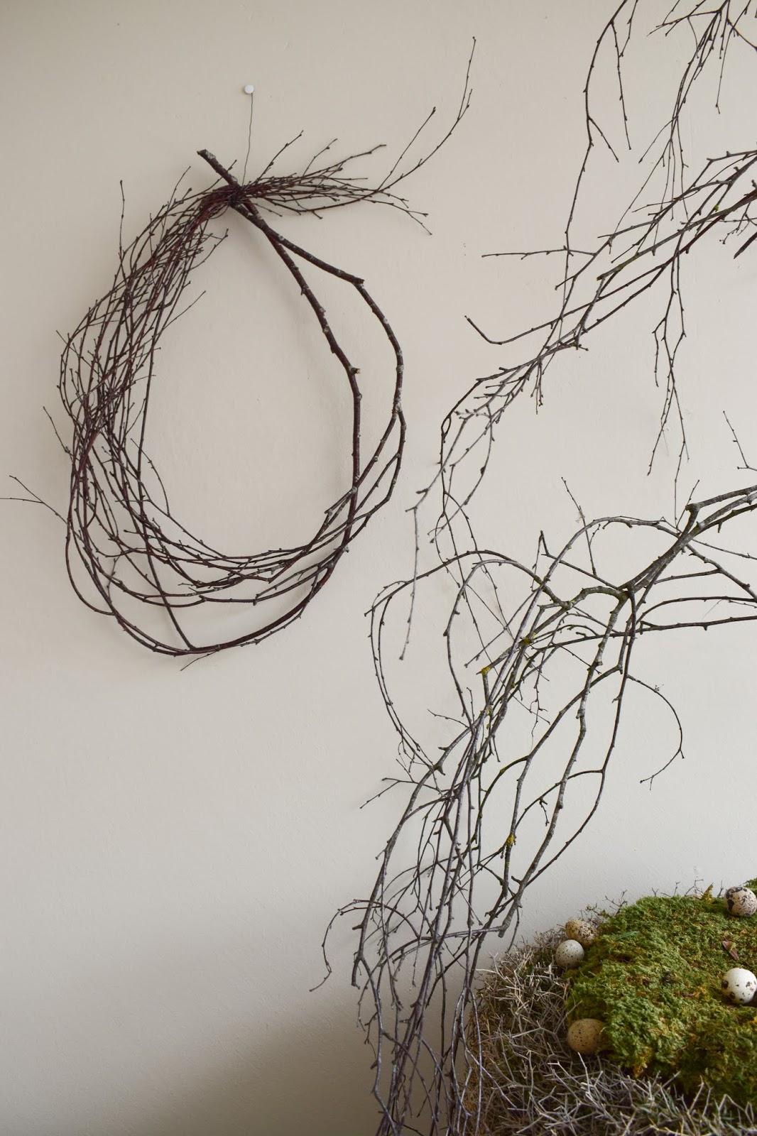 Deko mit-Natur Birkenzweige Birke Dekoidee dekorieren Osterdeko Moos Wachteleier Kranz aus Eisenbusch