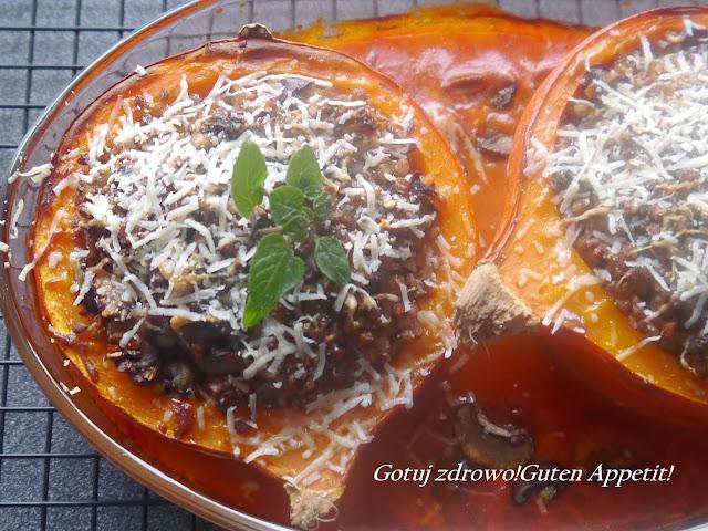 Dynia faszerowana kaszą gryczaną i pieczarkami w sosie pomidorowo - kokosowym - Czytaj więcej »