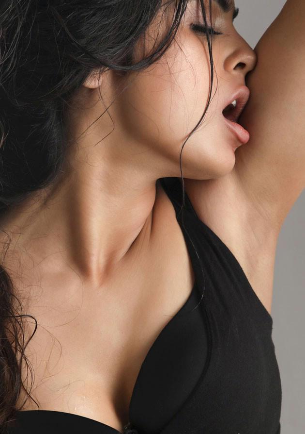 Actress Naina Ganguly Latest Hot Photo shoot