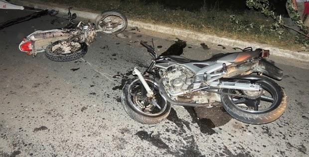 Resultado de imagem para colisão entre duas motos