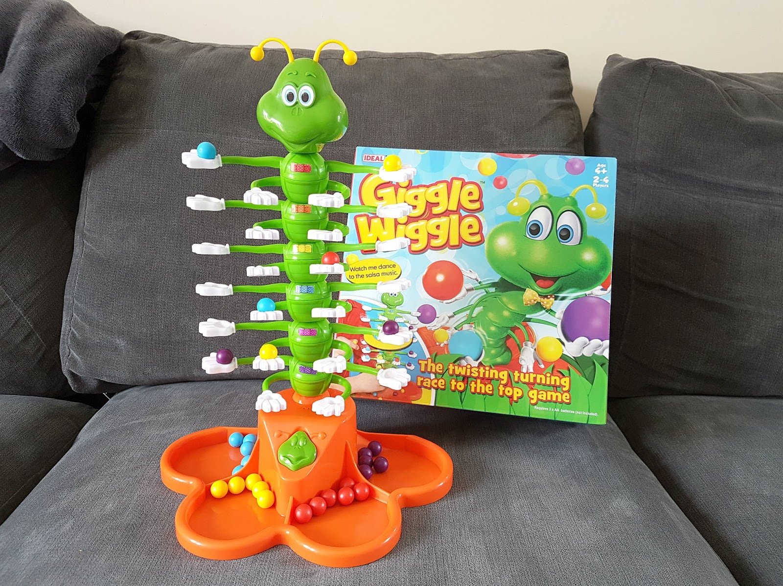 Giggle Wiggle game, children party game, Fun game for kids