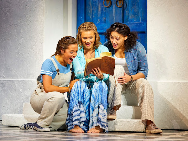 Mamma Mia (UK Tour) | New Oxford Theatre | Review
