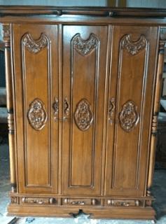 Foto lemari kayu minimalis
