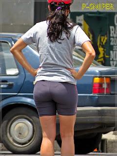 amateur-milf-big-butt-lycra-street