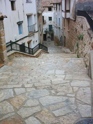 Beceite, Beseit, pueblo, casco urbano, acequia mayor, acequia, lavadero, lavaderos, casa la Felicidad, escalinata