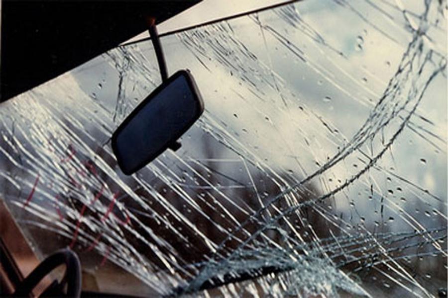 Σύγκρουση οχημάτων στην κατηφόρα της Καρδίας