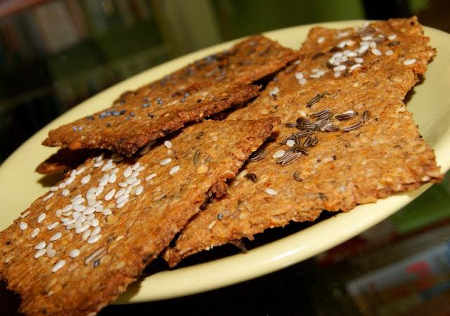 Pikantne, domowe i bardzo zdrowe krakersy