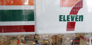 Missouri 7-Eleven Worker Shoots Would-Be Robber Dead On Her Smoke Break