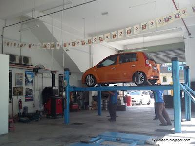 Menukar Tayar Kereta Perodua Viva Elite ~ JayHemSem