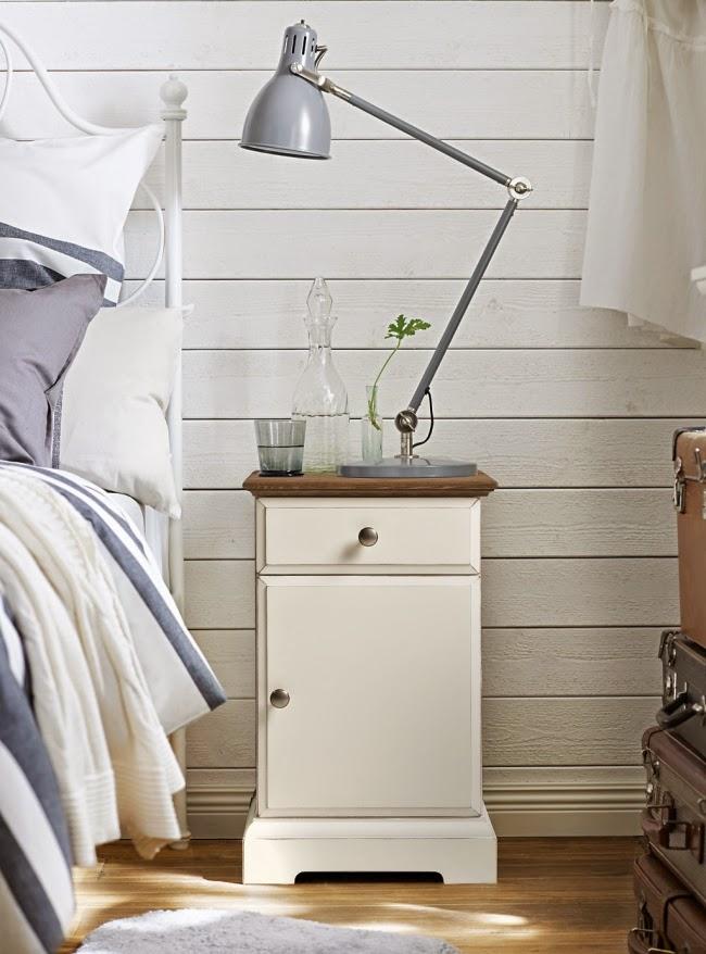 Świeże, przytulne wnętrze w bieli i szarości, wystrój wnętrz, wnętrza, urządzanie domu, dekoracje wnętrz, aranżacja wnętrz, inspiracje wnętrz,interior design , dom i wnętrze, aranżacja mieszkania, modne wnętrza, IKEA, białe wnętrza, szarości, szary, styl skandynawski, scandinavian style, sypialnia