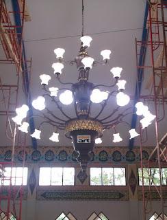 lampu+gantung+antik+masjid