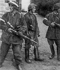 partisan military uniform Zoska Battalion Warsaw Uprising 1944 Poland WW2