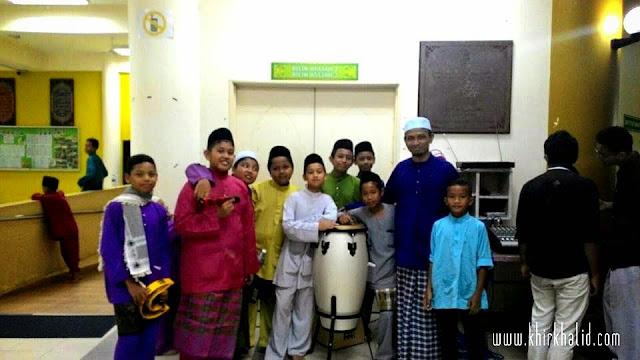 Warga muda di Masjid Bandar Tasik Puteri