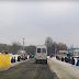 На Черкащині земляки на колінах зустрічали загиблого під Авдіївкою бійця (відео)