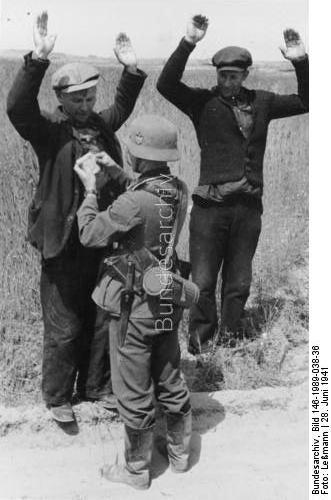 Captured Soviet soldiers 28 June 1941 worldwartwo.filminspector.com