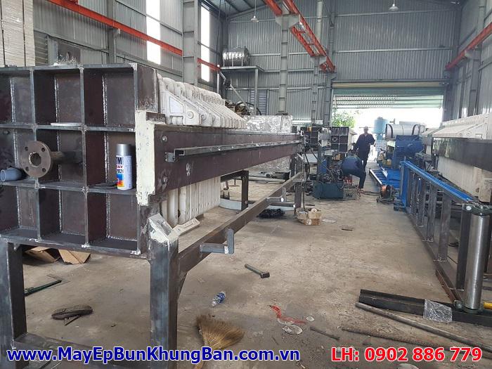 Máy ép bùn khung bản Việt Nam liên tục nhận được đơn đặt hàng, quá trình gia công được đẩy mạnh với năng suất hơn 20 máy/ tháng