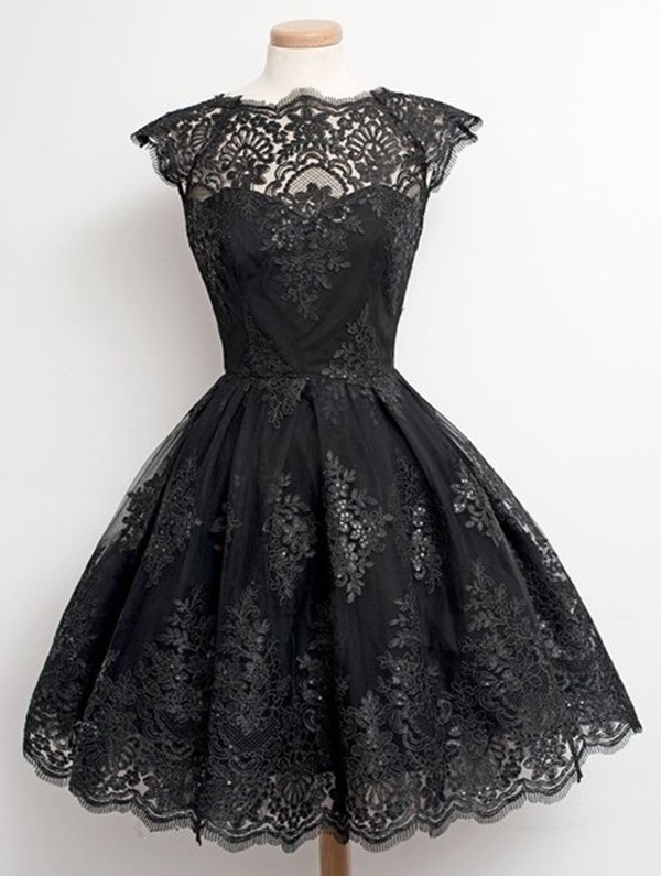 vestido preto rodado para noite com detalhes de renda