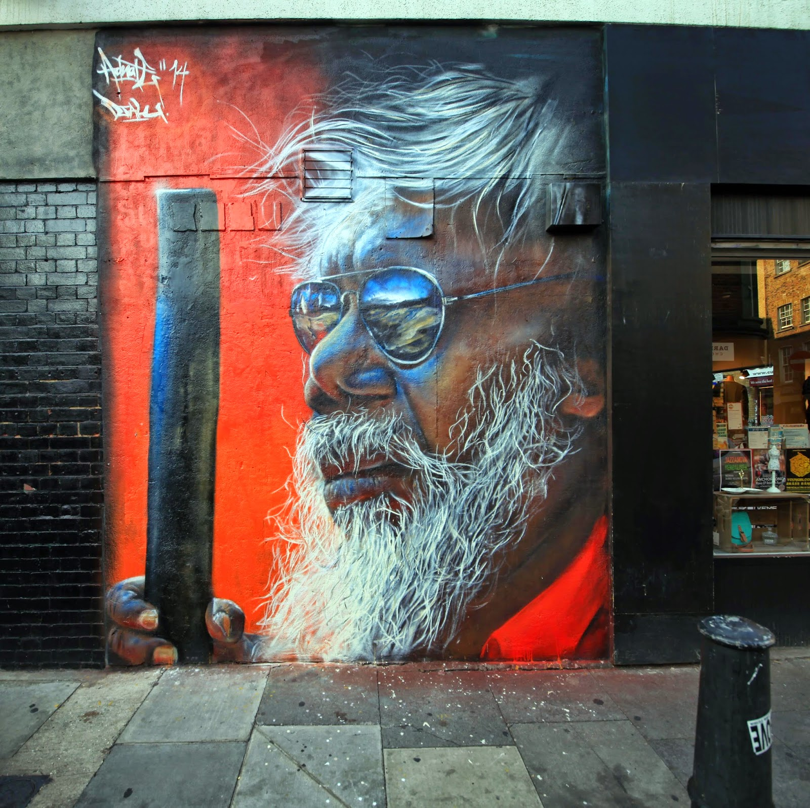 After a series of collaboration with Smug and Sofles in Australia, Matt Adnate has now landed in good old Europe where he just wrapped up two pieces in East London, UK.