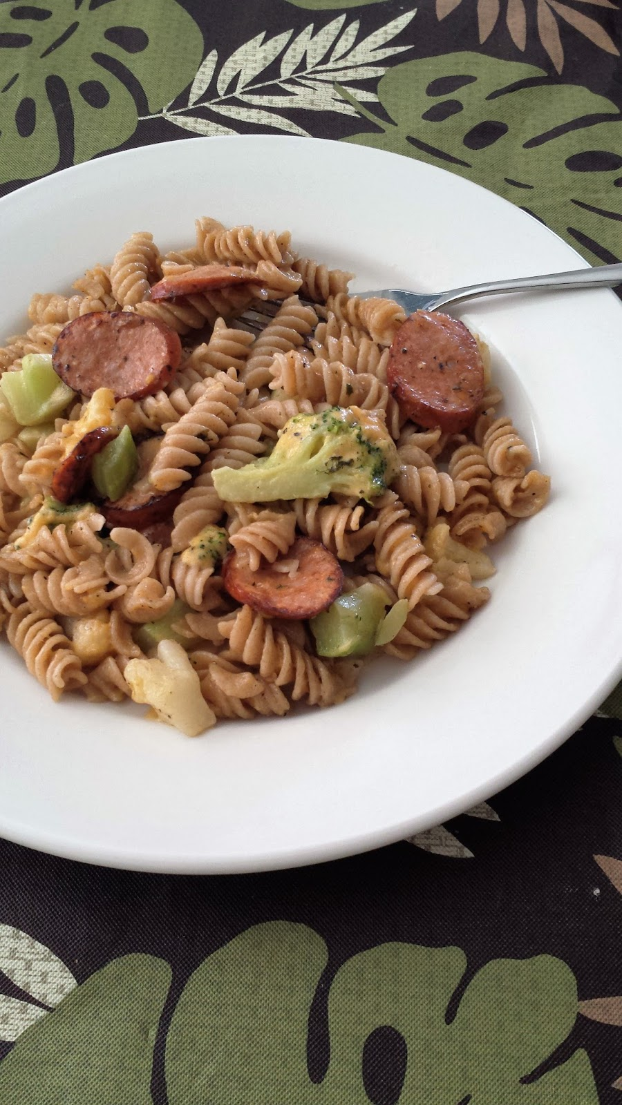 ... Corner of Mine: Cheesy Sausage Rotini with Broccoli and Cauliflower