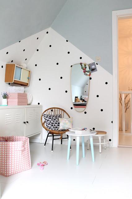 britta bloggt neues layout und kinderzimmer make over. Black Bedroom Furniture Sets. Home Design Ideas