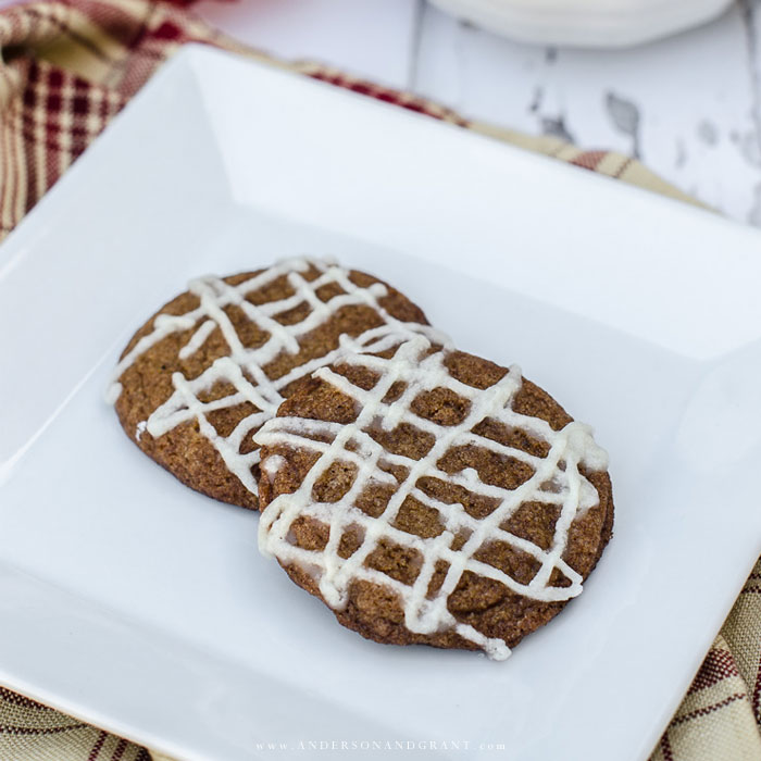 Gingersnaps on white plate