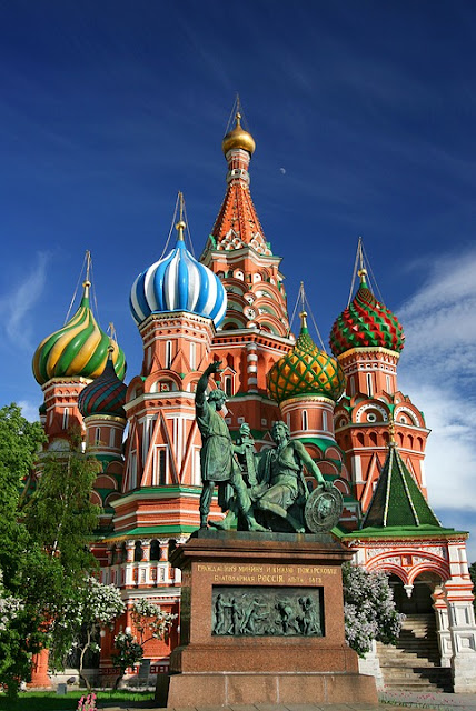 You need a good deals for your vacation, Moscow is The best places to visite with nice hotels and places to visite.