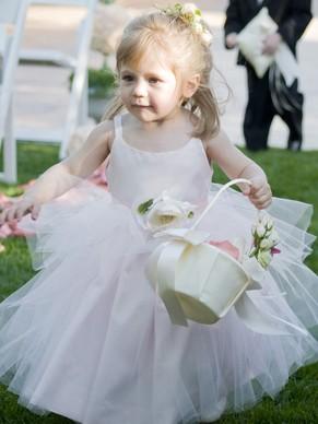 http://uk.millybridal.org/product/ball-gown-scoop-neck-tulle-elastic-woven-satin-ankle-length-flower-s-flower-girl-dresses-ukm01031888-20905.html?utm_source=post&utm_medium=1486&utm_campaign=blog