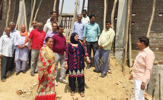 geeta-rexwal-councellor-inspection-of-under-construction-work-ambedkar-bhawan