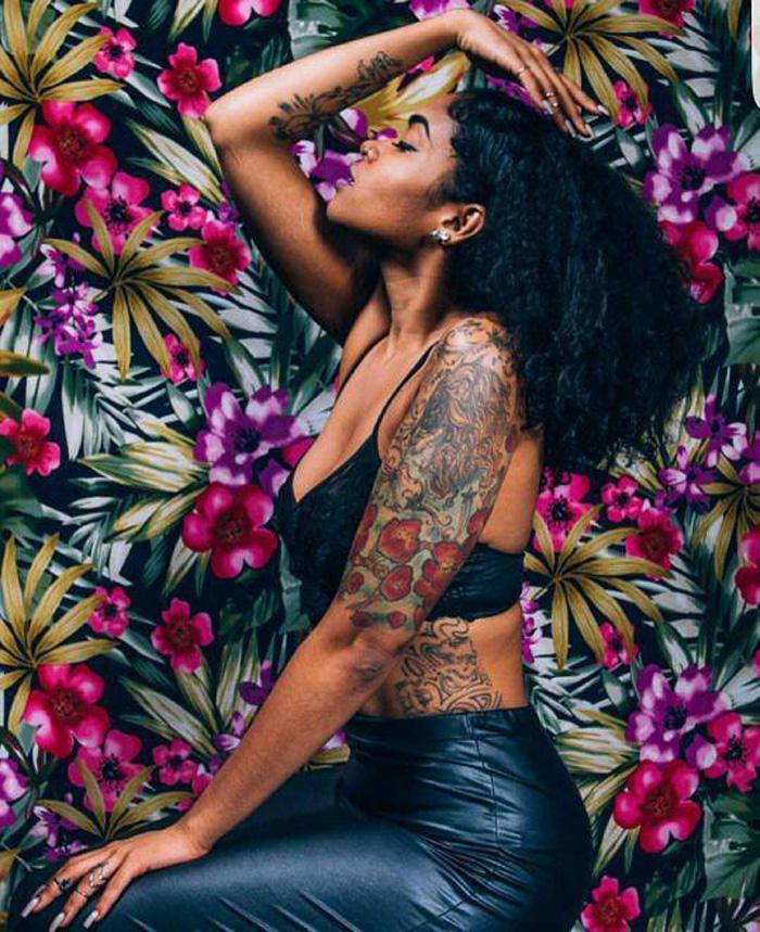 tatuagem-colorida-pele-negra