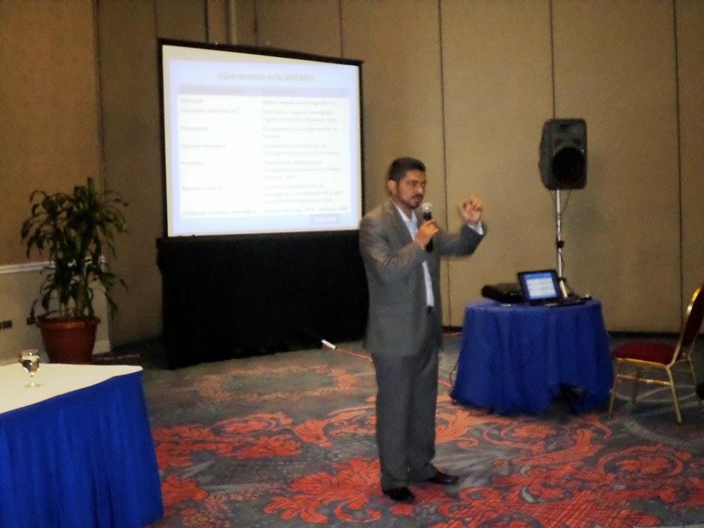 Francisco Herrera Pineda de la Universidad Catolica de El Salvador UNICAES