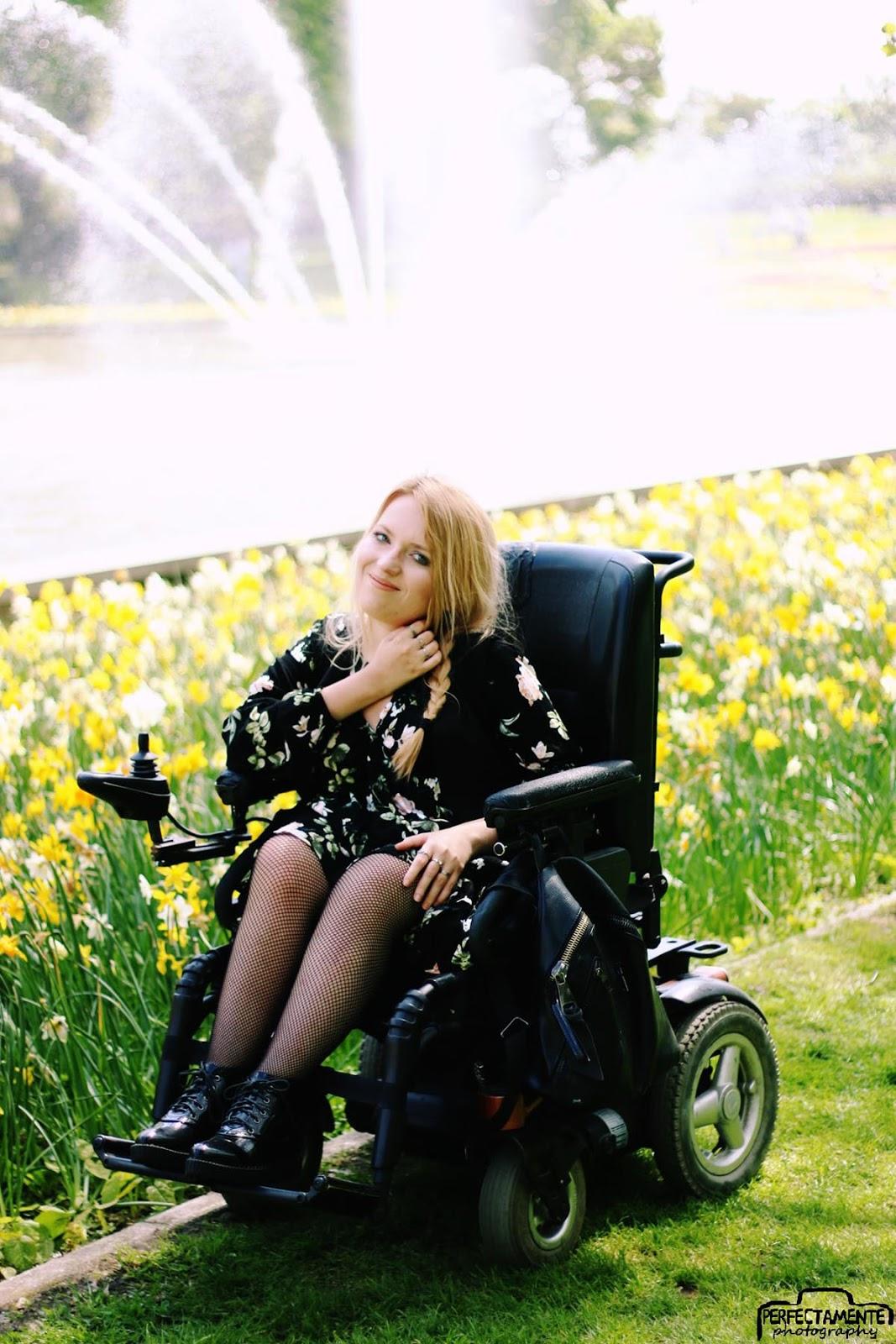 boho sukienka w kwiaty i kabaretki blog