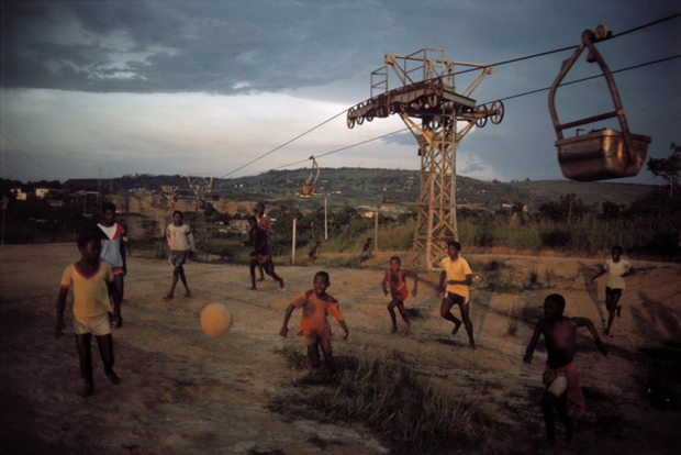 Magnum Photos. Magnum Football. The Book. Doctor Ojiplatico